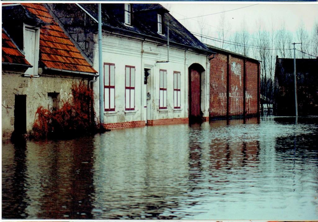 inondation de Pontoise comme Varesnes par la rivière Oise